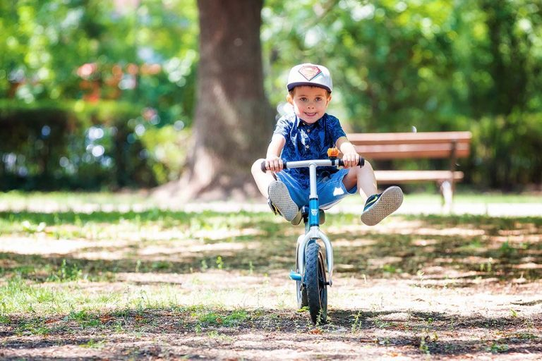 детска фотосесия в парка в софия
